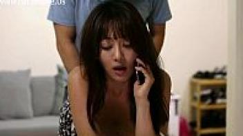 โก่งหี แอบเย็ด เสียวหี เย็ดสาวเกาหลี เย็ดตอนคุยโทรศัพท์ หีสวย หนังโป๊เกาหลี หนังอีโรติกเกาหลี หนังอีโรติก หนังอาร์เกาหลี