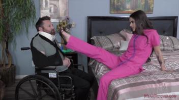 เลียหี เย็ดหมอ เย็ดคุณลุง เย็ดคนไข้ เย็ดคนพิการ เงี่ยน หีแนบหน้า หีเหม็น หนังโป๊ออนไลน์ หนังโป๊ฝรั่ง