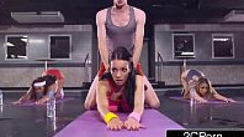 แดนนี ดี เย็ดสาวเล่นโยคะ เย็ดตอนออกกำลังกาย เย็ดครูสอนโยคะ หนังโป๊ฝรั่ง หนังเอวีฝรั่ง หนังxฝรั่ง หนังavฝรั่ง หนัง18ออนไลน์ ควยเทรนเนอร์